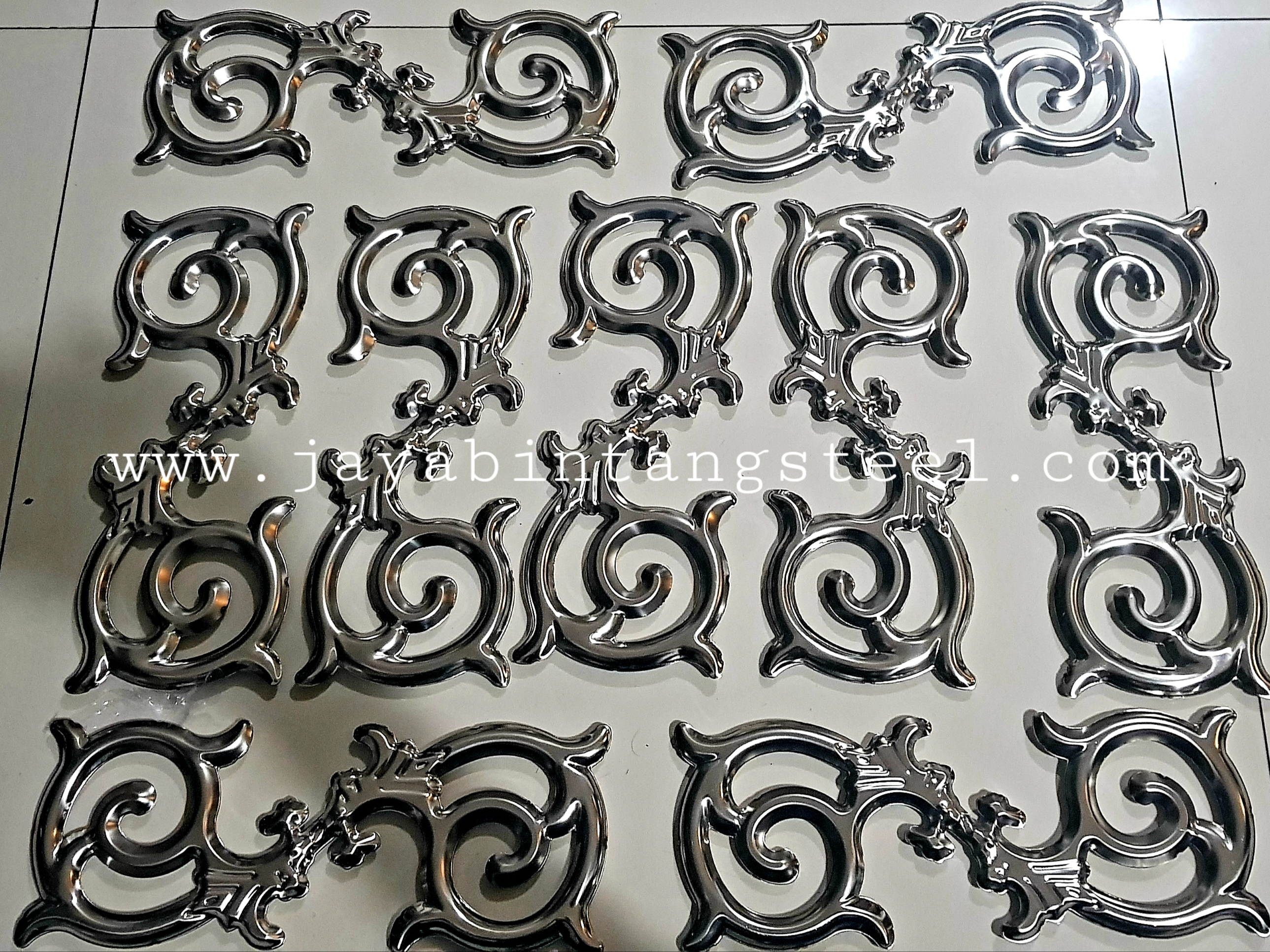 Aksesoris stainless Bunga S batik/Motif 10cmx26cm