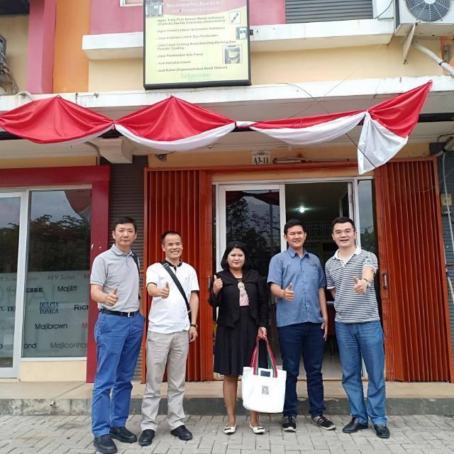 Owner dan Karyawan Trasmeca Jaya Electric