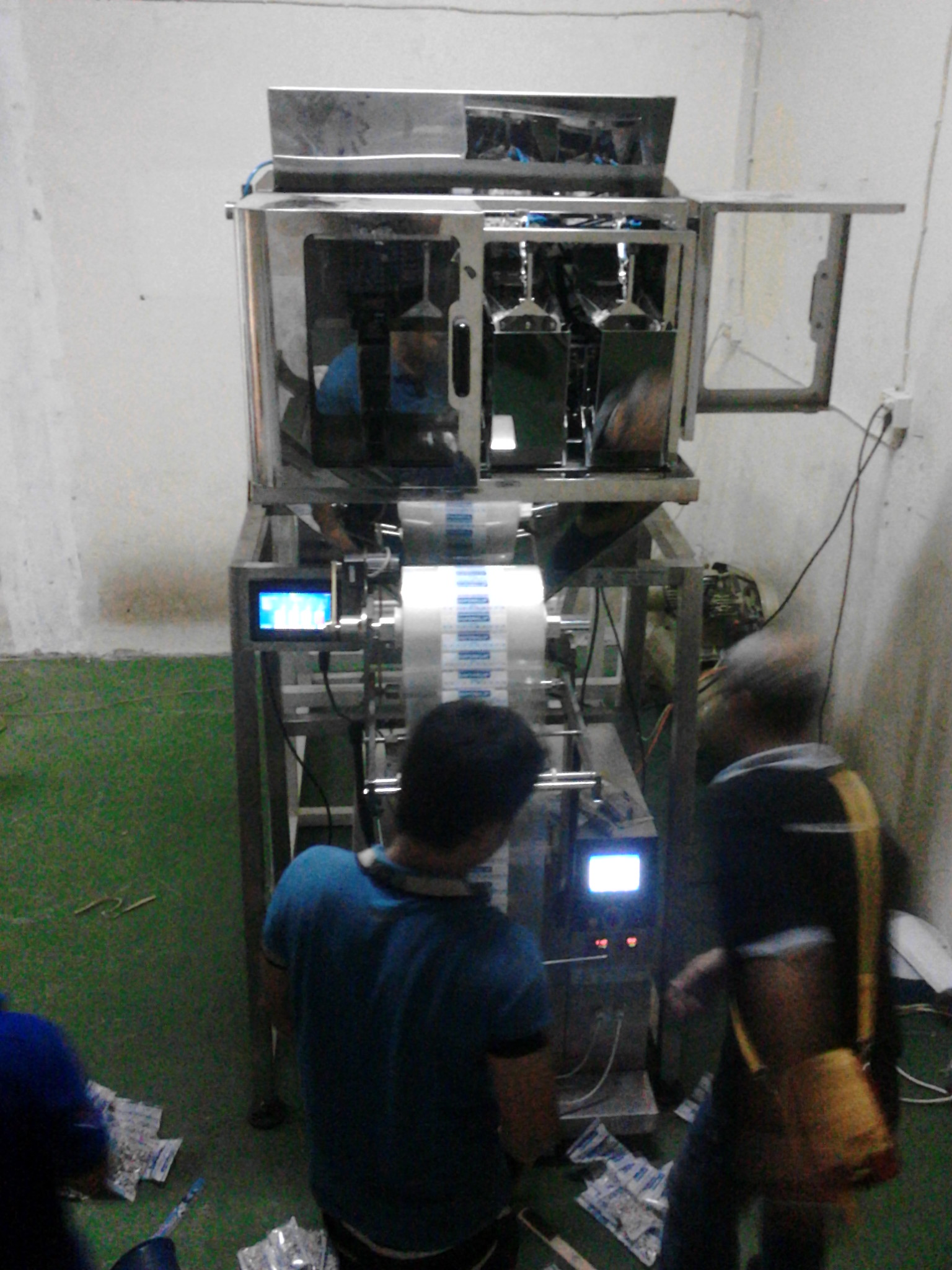 Install & Setting 4 Head Linear Weigher Packing Machine