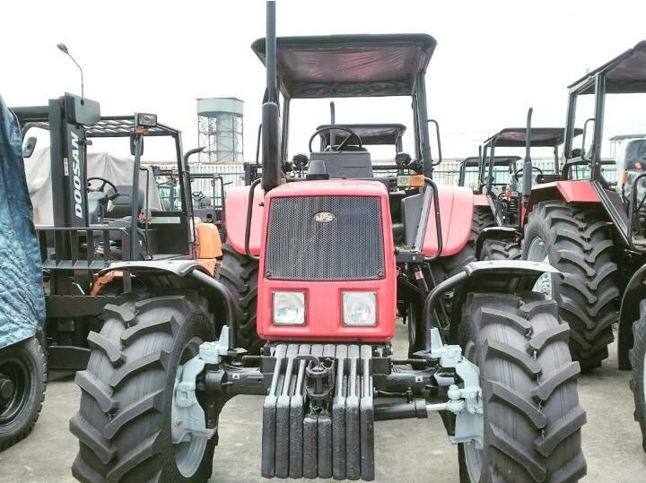Traktor 4 Roda 90 HP BELARUS 892.2